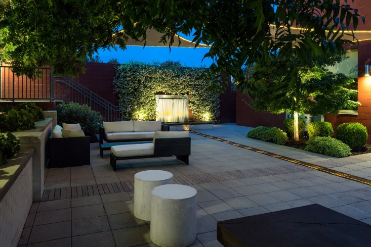 outdoor seating with backyard lights