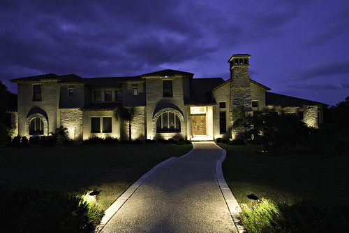 san antonio home lighting at night