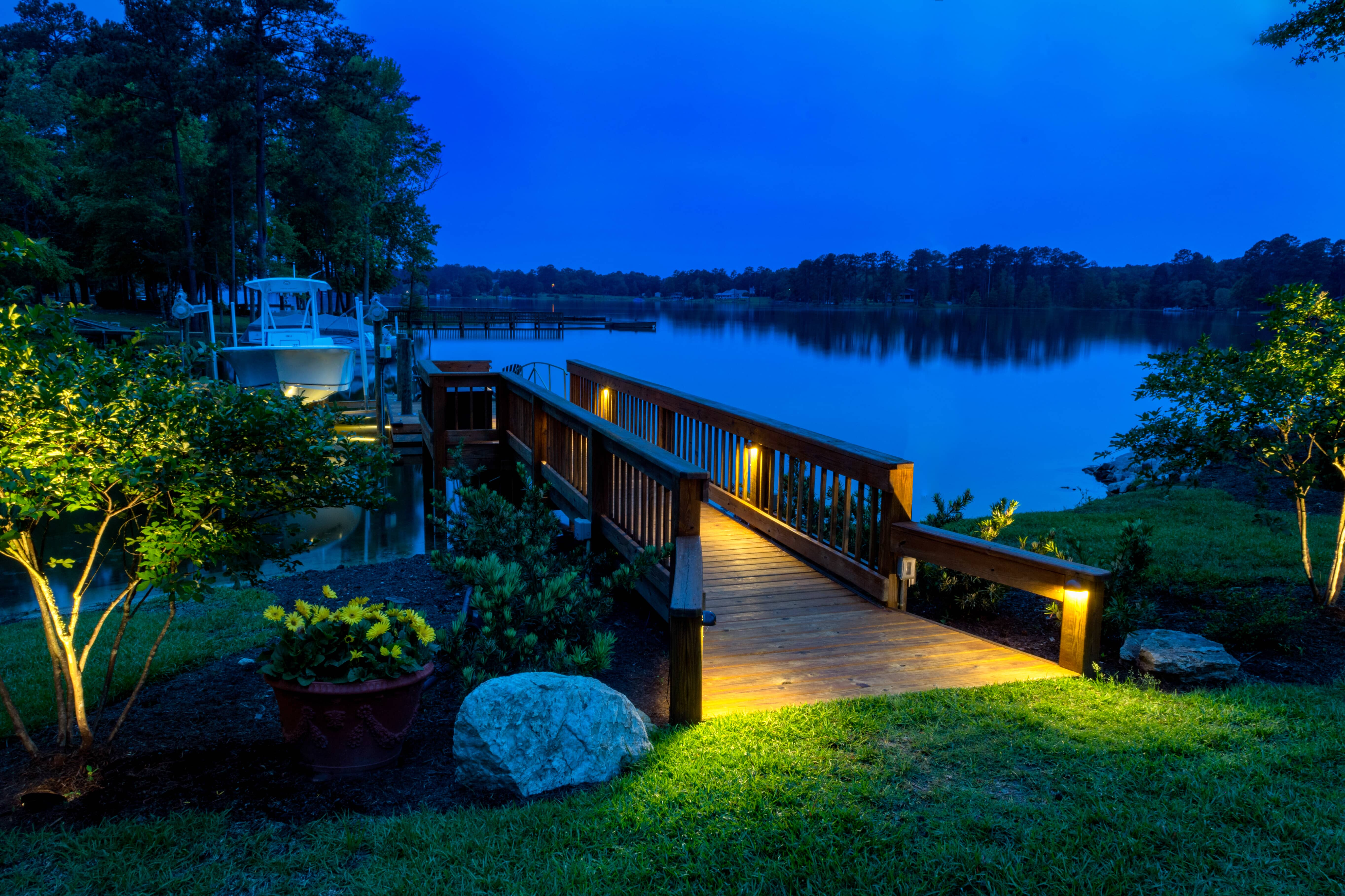 Professional outdoor dock lighting