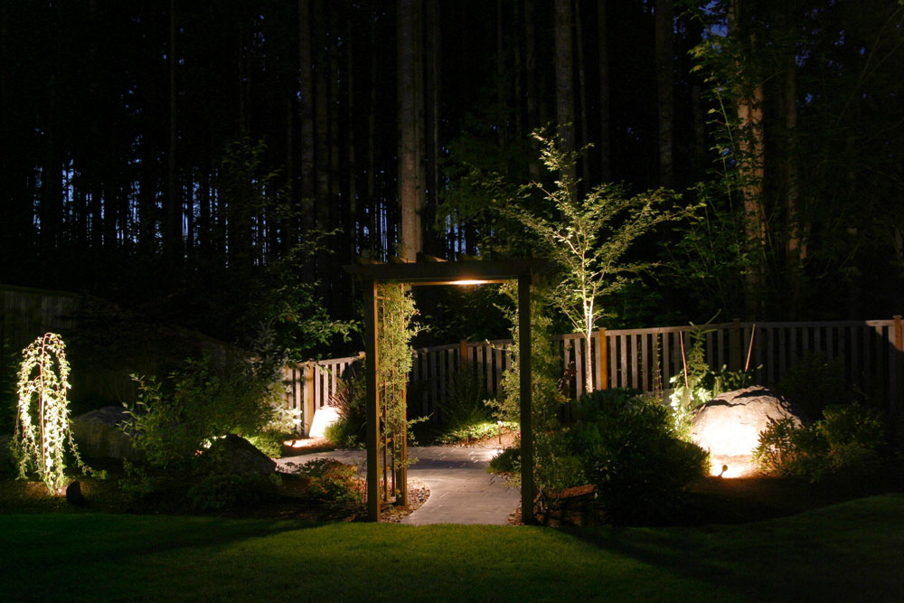 Landscape lighting for gates and arbors
