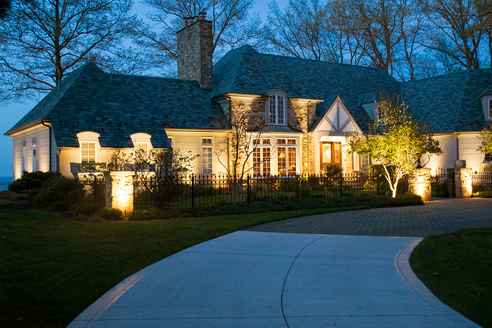 Driveway and facade lighting