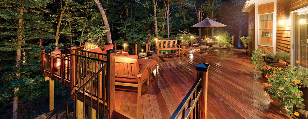 Deck with lighting