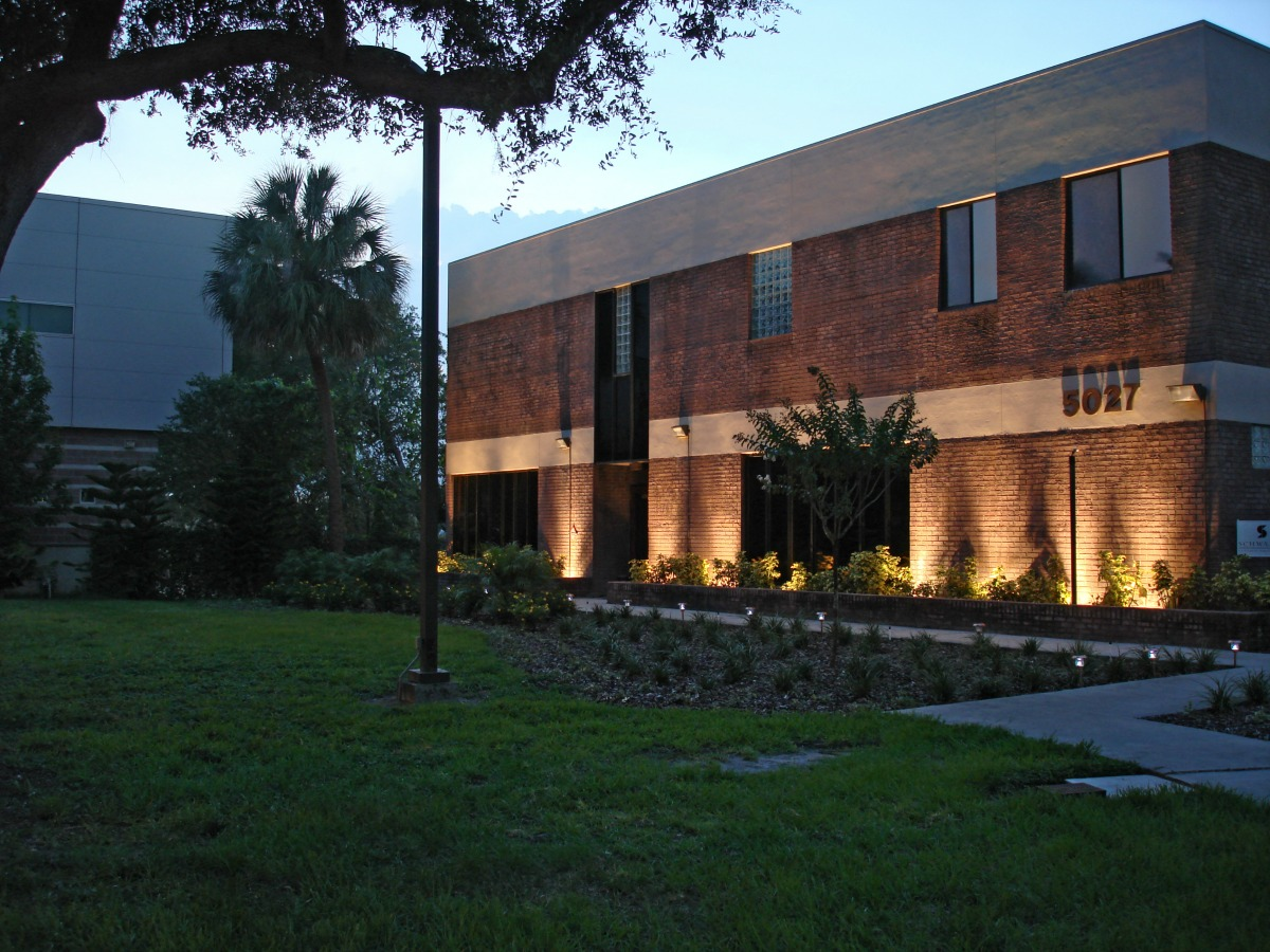 Commercial building with specialty lighting