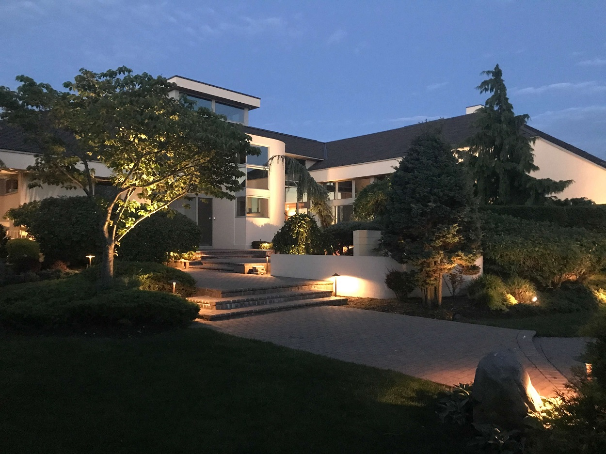 Outdoor lighting in the Hamptons, NY