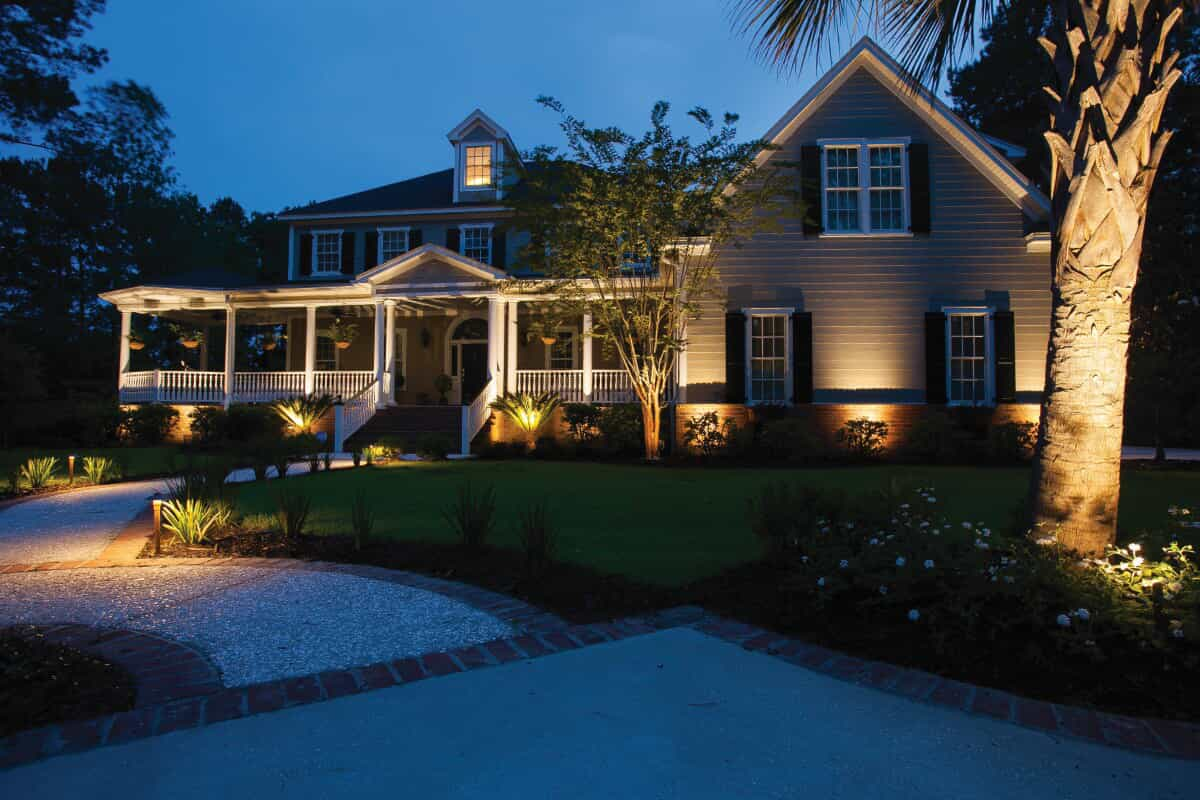 residential landscape and front yard lighting