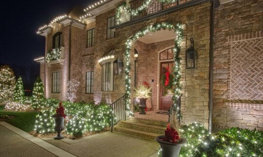 nashville home with holiday lighting
