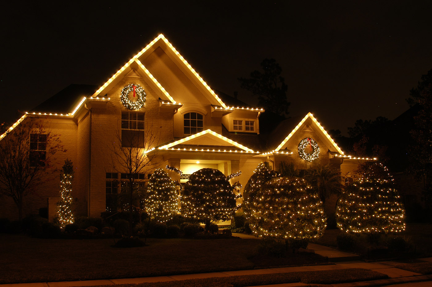Expert Christmas Lighting Design