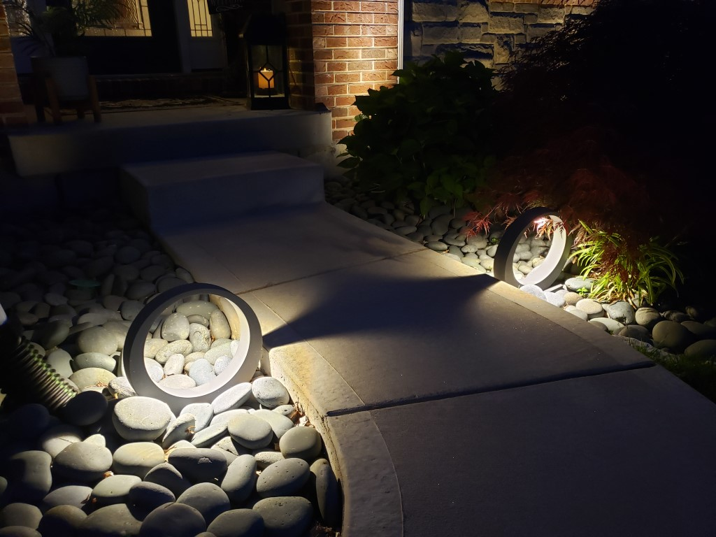 Town And Country Outdoor Lighting Company Local Project Adds Contemporary Flare To Transitional Home