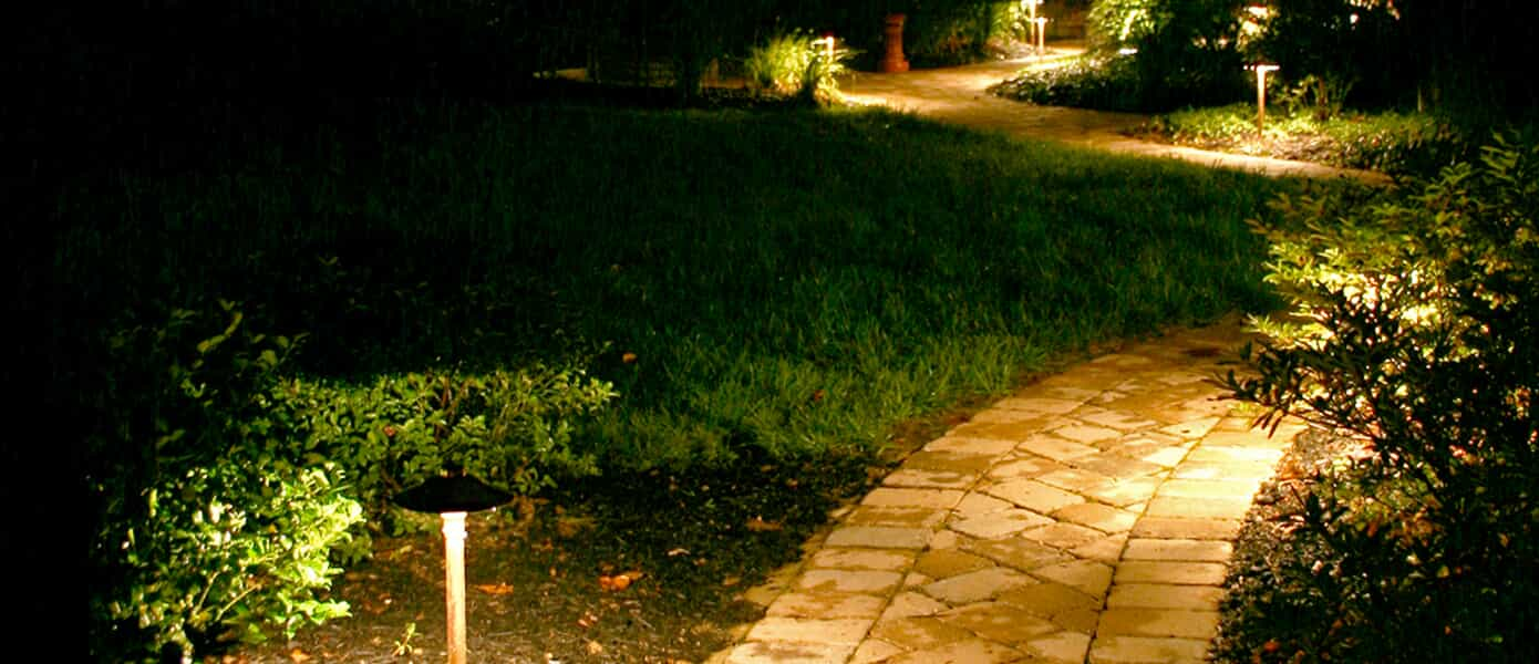 Pathway lights in Powell OH for landscape illumination