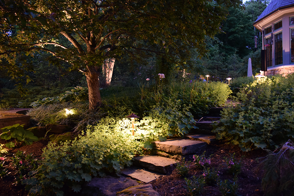 landscape lighting Akron OH
