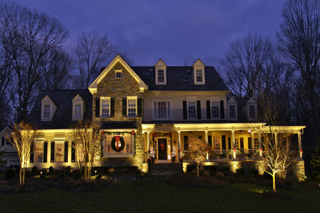 outdoor Christmas lighting Solon Ohio