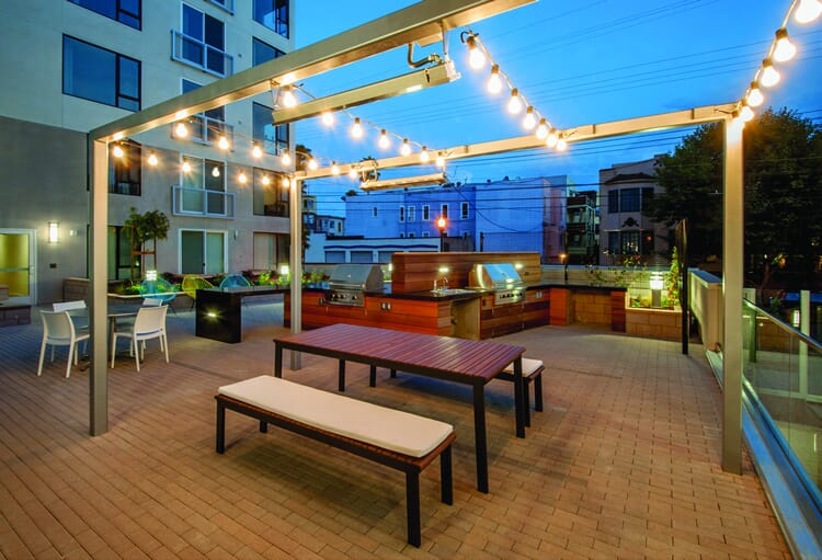 Minneapolis commercial patio string lighting