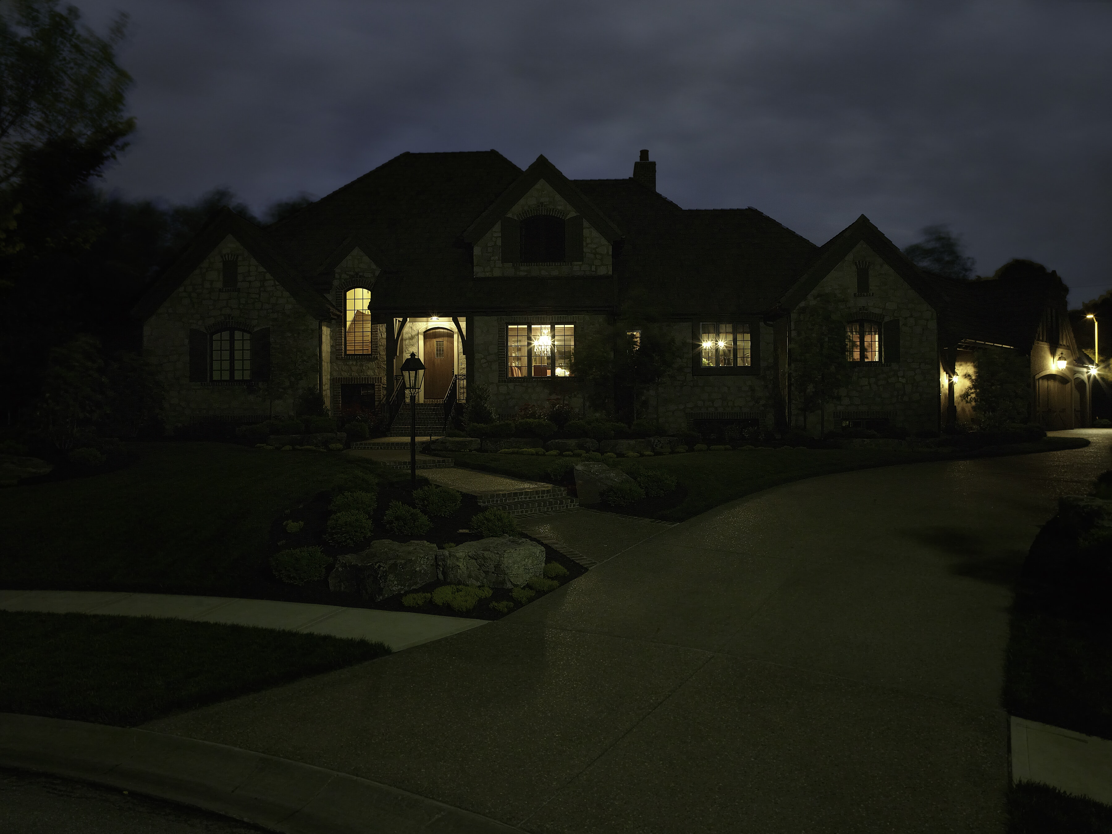 Home without Architectural Lighting