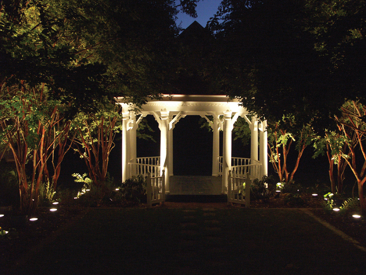Reno landscape with outdoor lighting