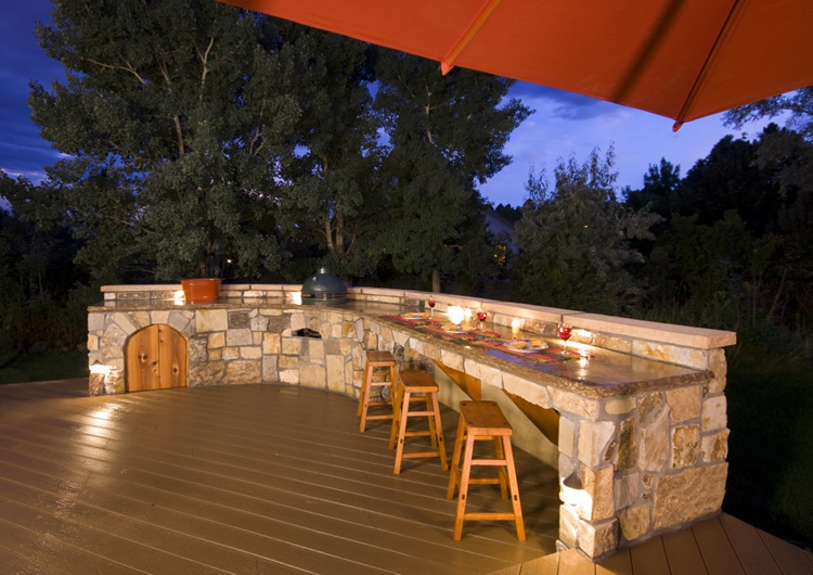 Deck and Outdoor Kitchen Lighting